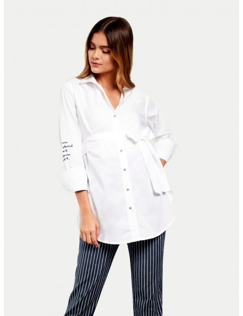 Camisa manga larga con bordado en manga